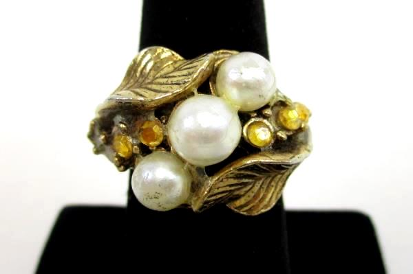 Vintage Adjustable Gold Tone Cluster Cocktail Costume Ring Faux Pearl Topaz 7.5