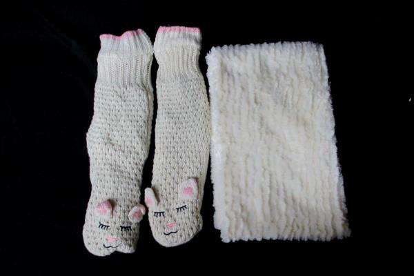 Winter Wardrobe Accessories Lot 2 Pieces Soft Scarf Jane & Bleeckner Slip Socks